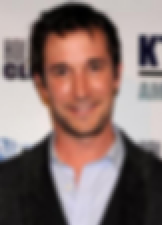 Noah Wyle is listed (or ranked) 2 on the list Fox News' Celebrity Smokestacks