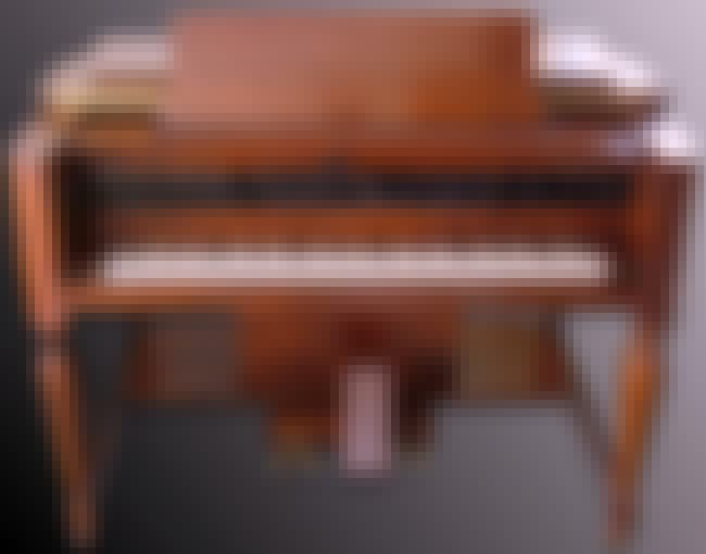 Novachord is listed (or ranked) 1 on the list Electronic keyboard - Instruments in This Family