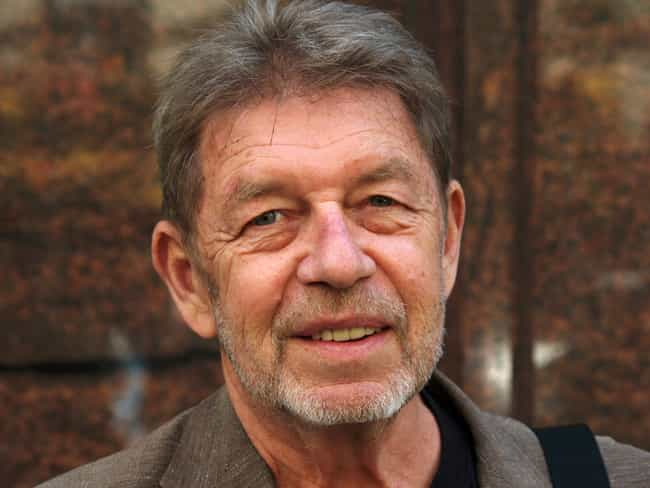 Pete Hamill is listed (or ranked) 4 on the list Famous Regis High School Alumni