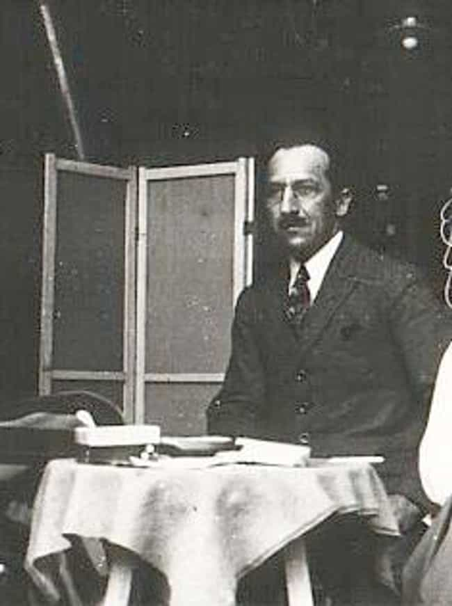 Piet Mondrian is listed (or ranked) 3 on the list Famous De Stijl Artists