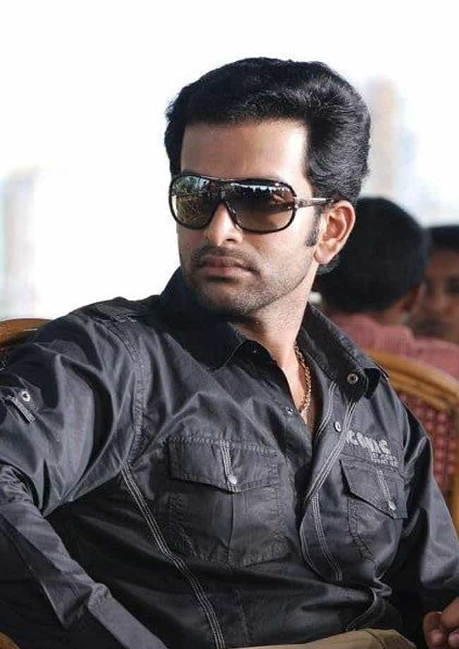 Prithviraj Sukumaran is listed (or ranked) 3 on the list Famous Male Playback Singers