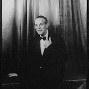 Raymond Massey is listed (or ranked) 2 on the list Full Cast of Battle Cry Actors/Actresses
