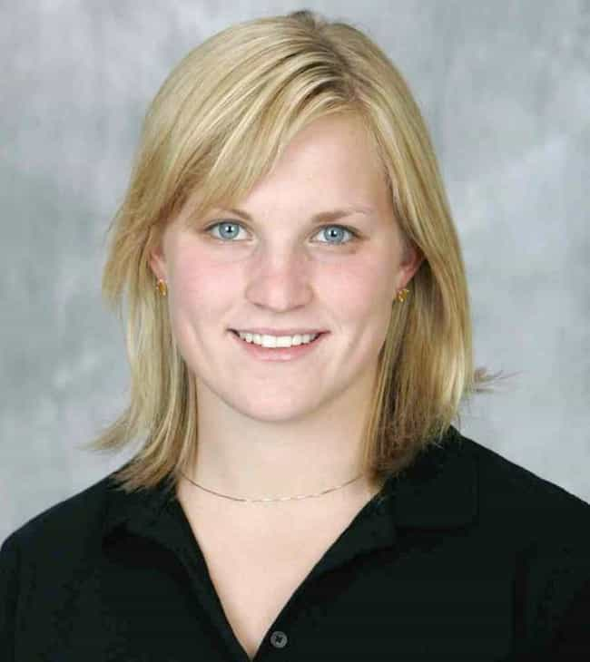 Jocelyne Lamoureux is listed (or ranked) 2 on the list Famous Female Ice Hockey Players