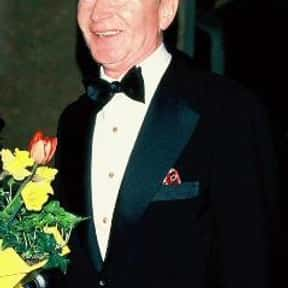 Red Buttons is listed (or ranked) 7 on the list Famous People Who Died in 2006