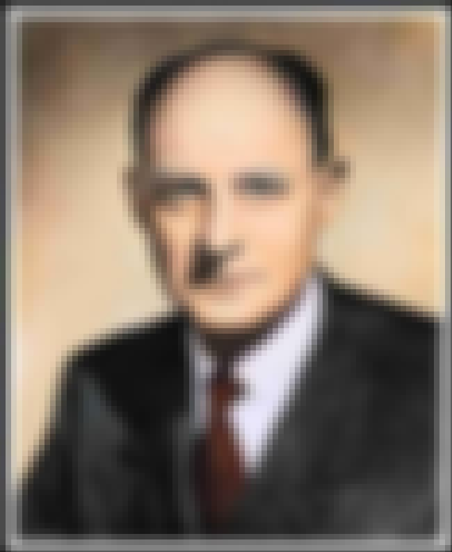 Reinhold Niebuhr is listed (or ranked) 1 on the list Famous Elmhurst College Alumni