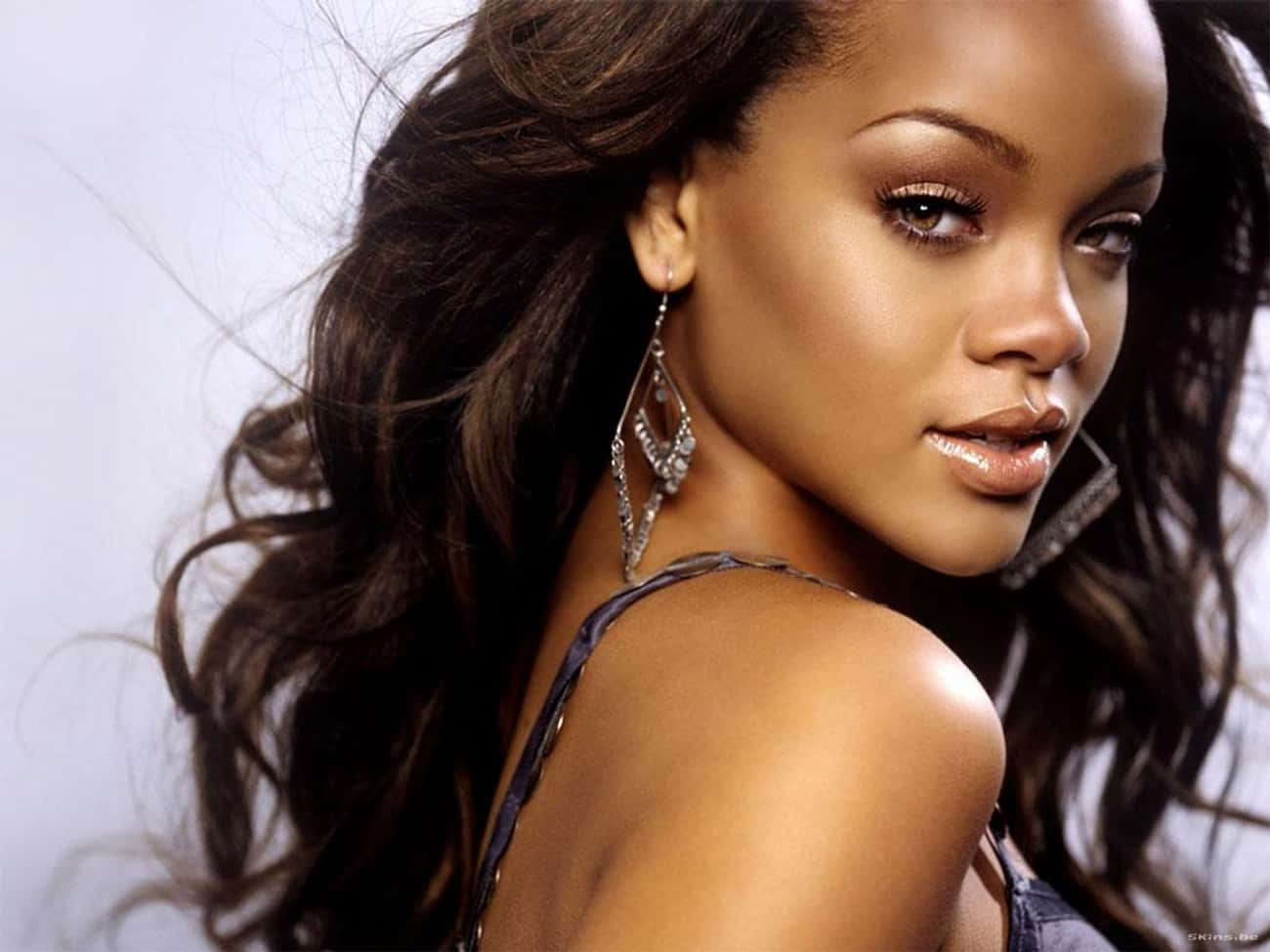 Rihanna is listed (or ranked) 2 on the list Women Who Ashton Kutcher Has Dated