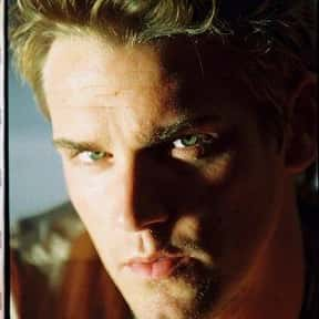 Riley Smith is listed (or ranked) 8 on the list Full Cast of Eight Legged Freaks Actors/Actresses