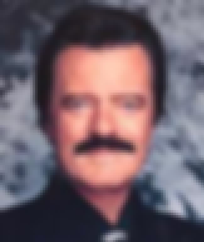 Robert Goulet is listed (or ranked) 3 on the list Acting Sheriff Cast List