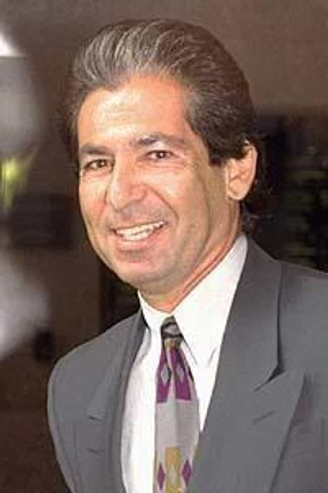 Robert Kardashian is listed (or ranked) 8 on the list Famous People Who Died of Esophageal Cancer