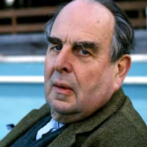 Robert Morley is listed (or ranked) 2 on the list Full Cast of Those Magnificent Men In Their Flying Machines Actors/Actresses