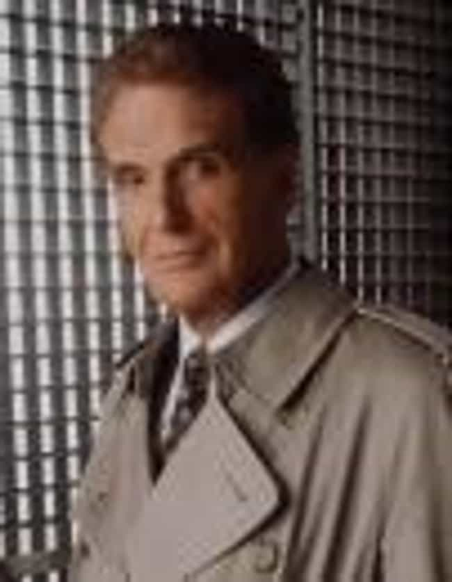 Robert Stack is listed (or ranked) 4 on the list Unsolved Mysteries Cast List