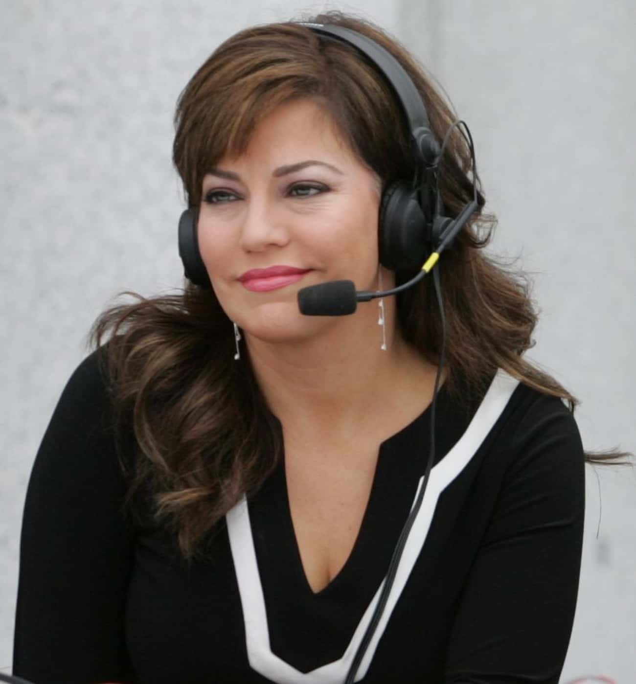 Robin Meade is listed (or ranked) 4 on the list Famous Female TV Anchors