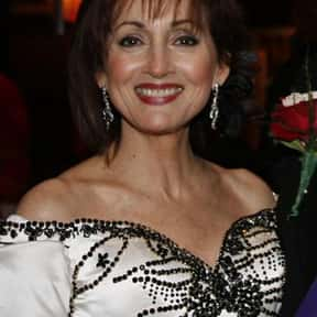 Robin Strasser is listed (or ranked) 25 on the list Famous Yale School Of Drama Alumni