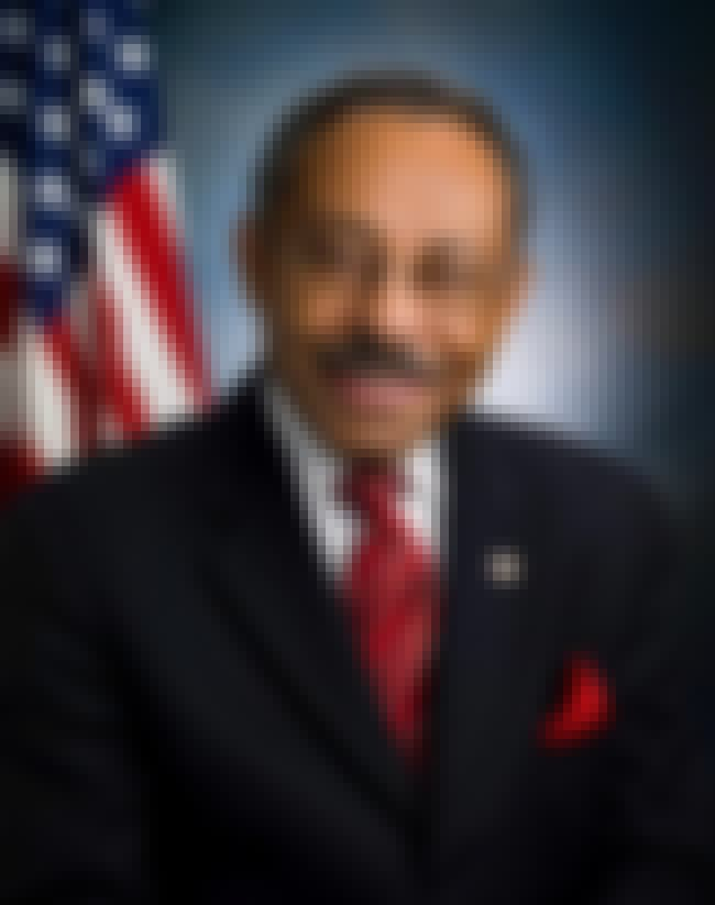 Roland Burris is listed (or ranked) 4 on the list Famous Howard University School Of Law Alumni