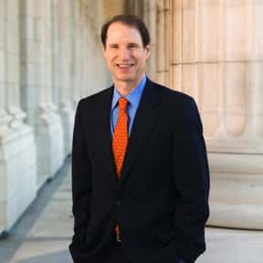 Ron Wyden is listed (or ranked) 11 on the list Famous Palo Alto High School Alumni