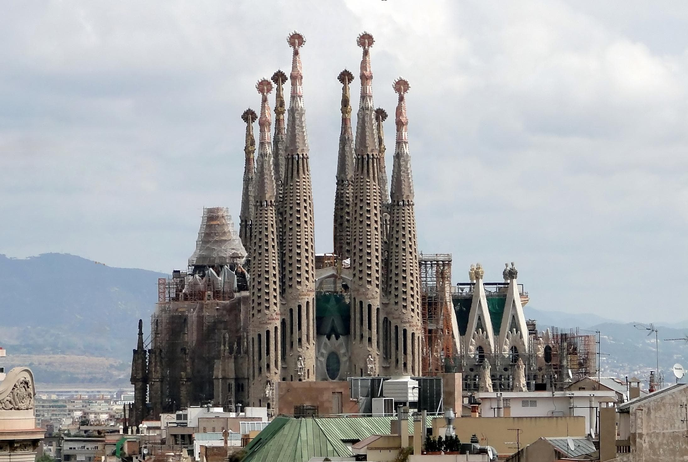 Random World's Most Interesting Unfinished Buildings
