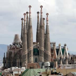 Sagrada Família is listed (or ranked) 24 on the list Historical Landmarks to See Before You Die