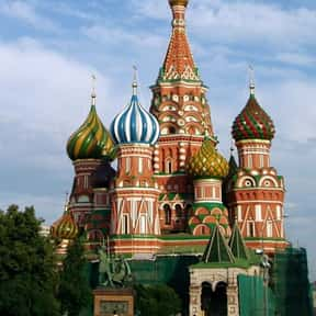 Saint Basil's Cathedral is listed (or ranked) 2 on the list The Top Must-See Destinations in Russia