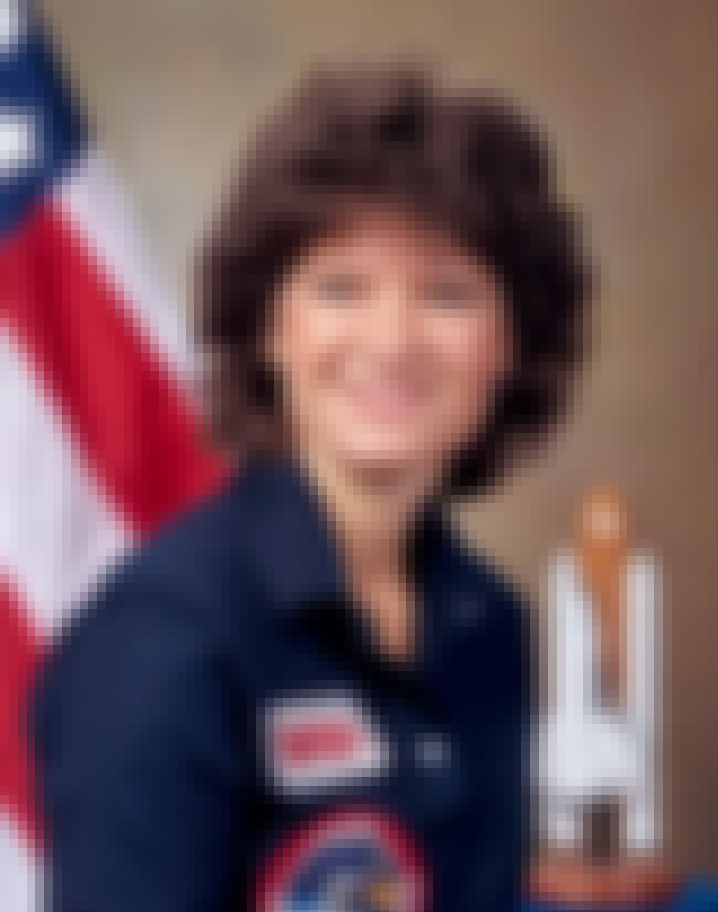Sally Ride is listed (or ranked) 4 on the list Famous People who Majored in Physics