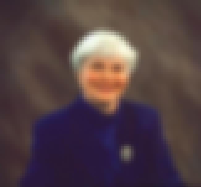 Sarah Hudson-Pierce is listed (or ranked) 2 on the list Famous Harding University Alumni