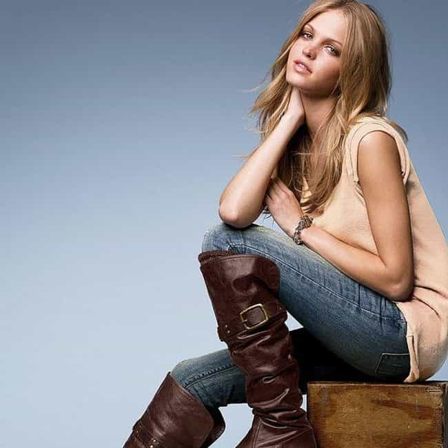 Erin Heatherton is listed (or ranked) 4 on the list Famous People Born in 1989