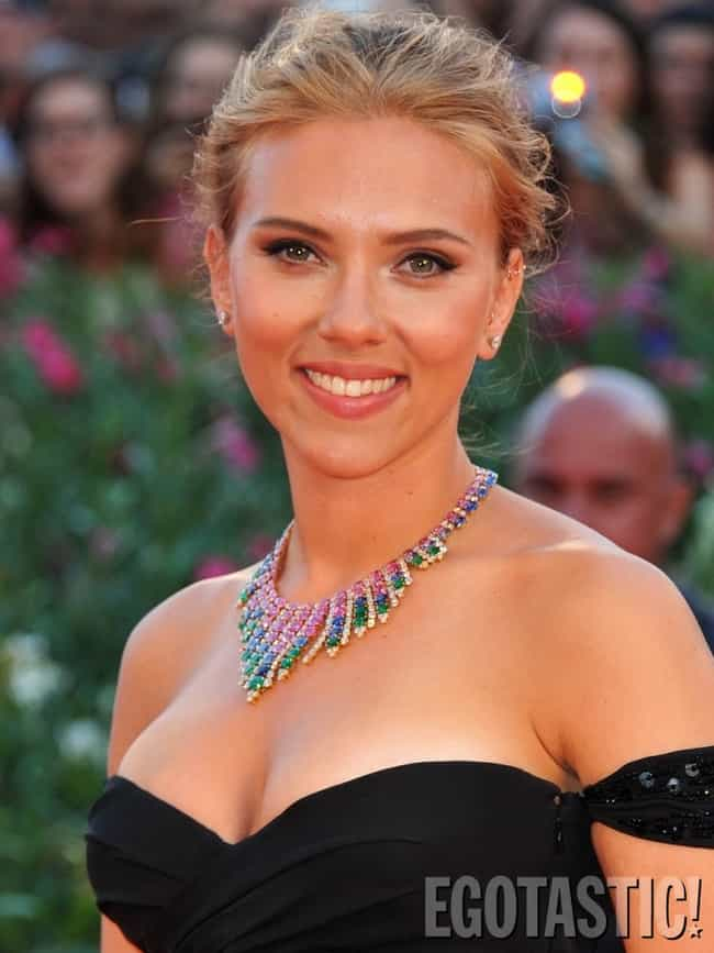 Scarlett Johansson is listed (or ranked) 4 on the list The Top 25 Girls
