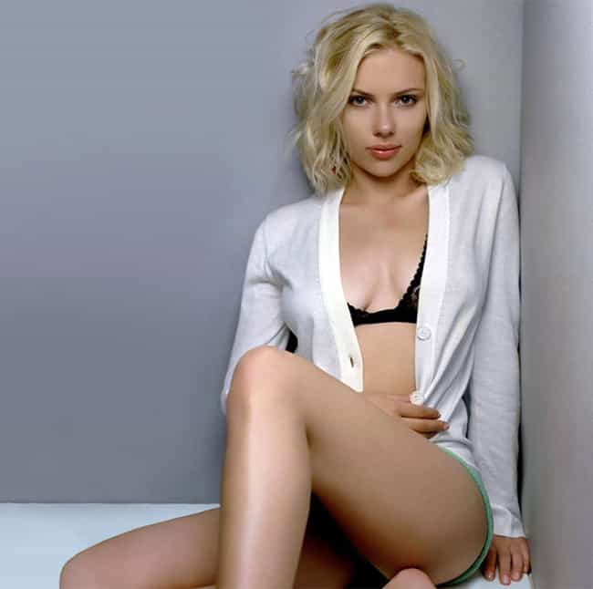 Scarlett Johansson is listed (or ranked) 4 on the list Stunning Famous Babes with Bleach-Blonde Hair