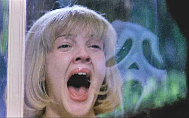 Scream is listed (or ranked) 3 on the list Crowd-Pleasing Horror Movies You Can Put On During A Party