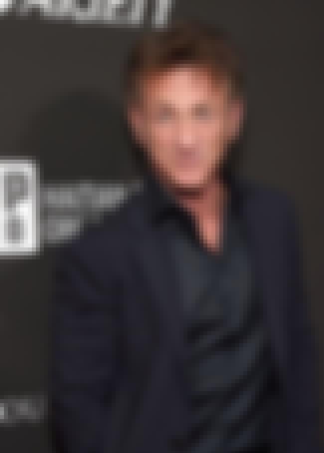 Sean Penn is listed (or ranked) 4 on the list Scarlett Johansson's Loves & Hookups