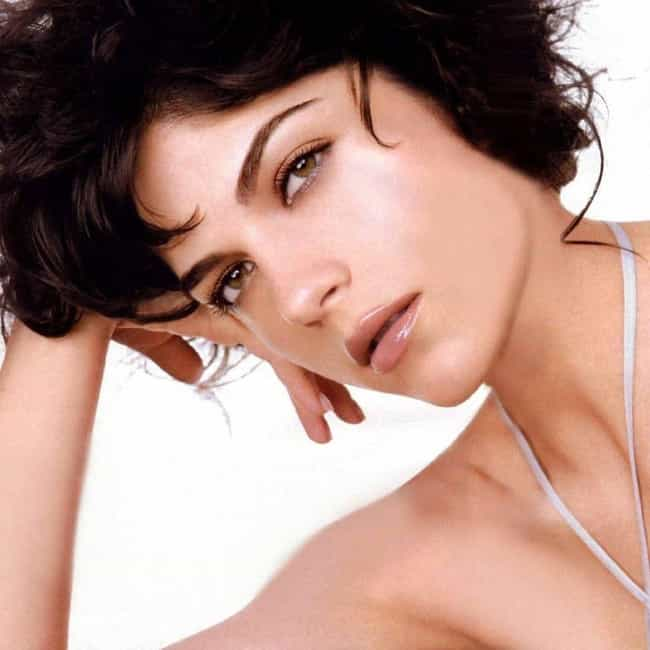 Selma Blair is listed (or ranked) 3 on the list The 14 Hottest Best Friends from Chick Flicks