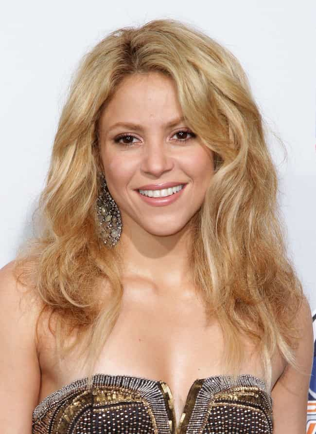 Shakira is listed (or ranked) 4 on the list Female Celebrities Who Are 5'1