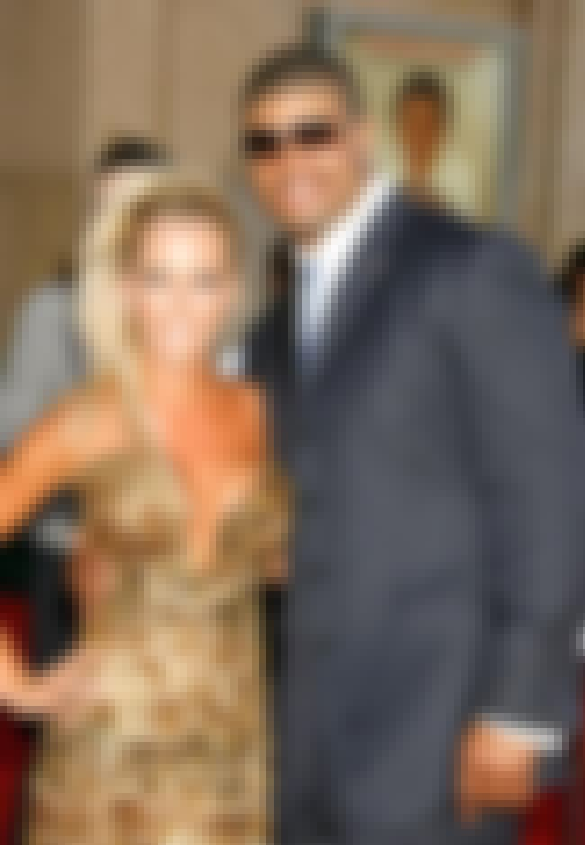 Shawne Merriman is listed (or ranked) 3 on the list Kendra Wilkinson's Loves & Hookups