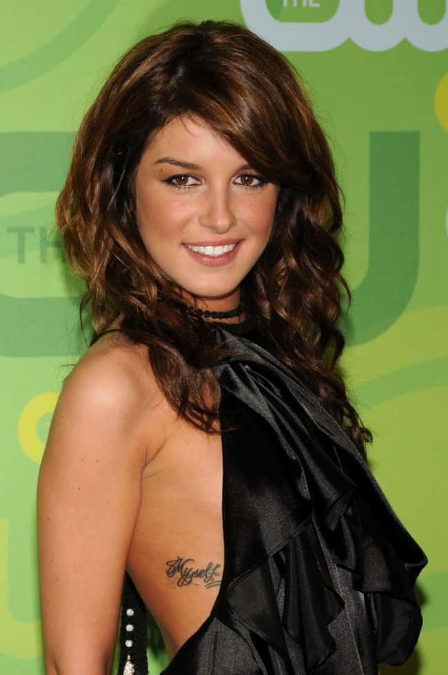 Shenae Grimes is listed (or ranked) 9 on the list The 25 Sexiest (Famous) Girls with Tattoos