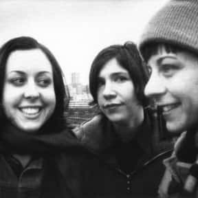 Sleater-Kinney is listed (or ranked) 7 on the list The Best Female Indie Artists & Female-Fronted Bands