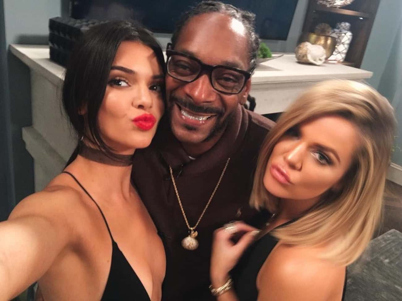 Snoop Dogg is listed (or ranked) 4 on the list All Of Khloe Kardashian's Famous Best Friends