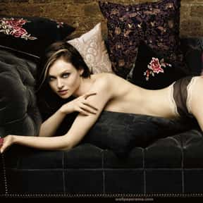 Sophie Ellis-Bextor is listed (or ranked) 18 on the list Fascination Records Complete Artist Roster