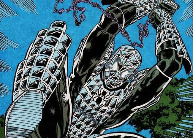 7. Web of Spider-Man #100's silver Spidey suit has become a bit of a Marvel Comics legend. We know Spider-Man is a tough guy, but we can't imagine a suit of armour being as comfortable as the web-slinger's original suit, which he's been wearing for decades.