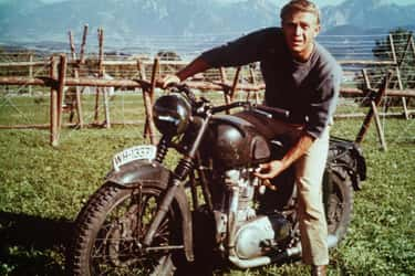 Steve McQueen Insisted On Showing Off His Motorcycle Skills In 'The Great Escape'