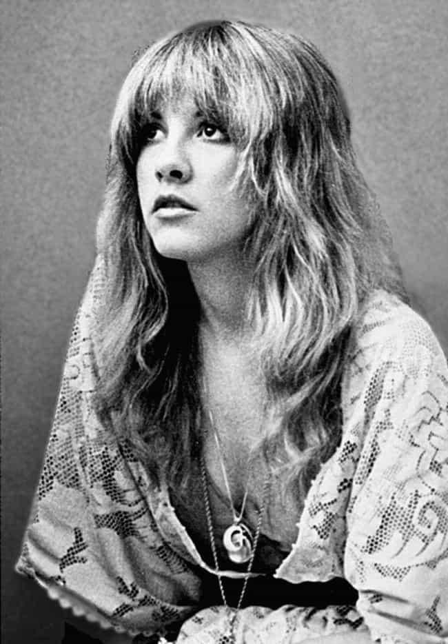 Stevie Nicks está en la lista (o clasificado) 4 en la lista Rumores de la estrella de rock que nunca fueron verdaderos