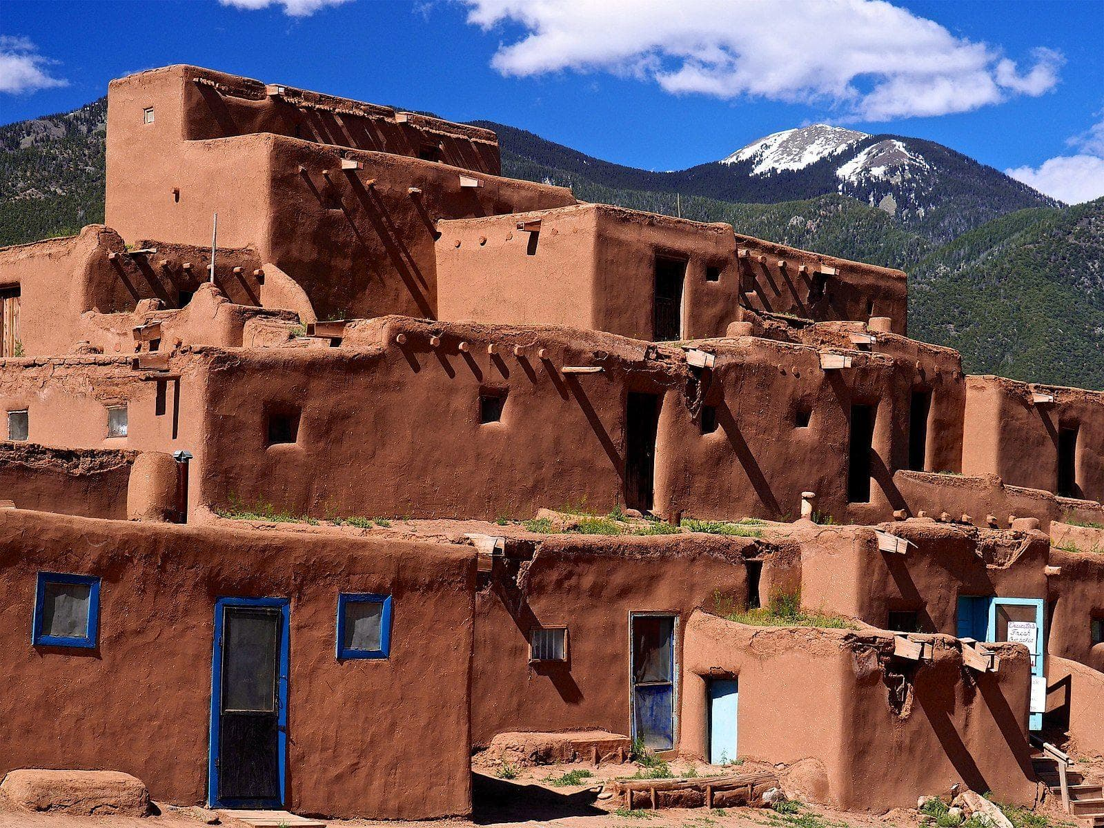 Random Oldest Houses In US That Are Still Standing