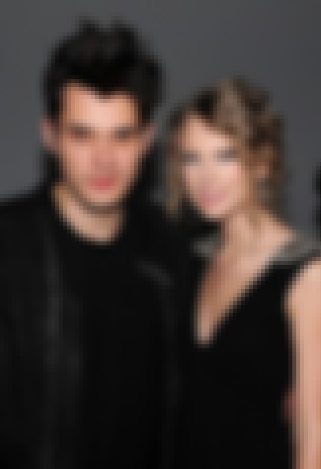 Taylor Swift is listed (or ranked) 4 on the list John Mayer's Loves & Hookups