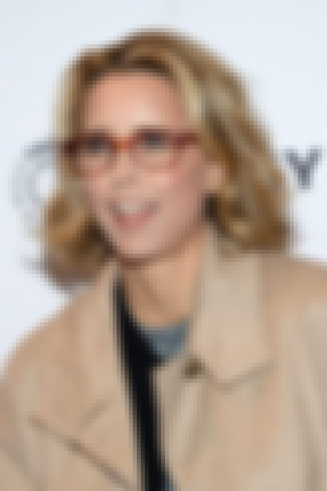 Téa Leoni is listed (or ranked) 2 on the list Famous Brearley School Alumni