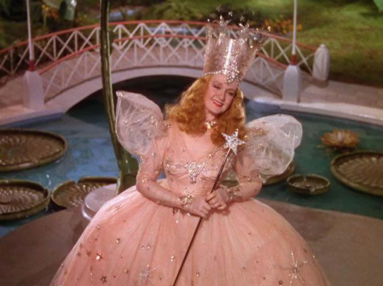 "Glinda The Good Witch In The W is listed (or ranked) 4 on the list Movie ""Heroes"" Who Were Actually Villains The Whole Time"