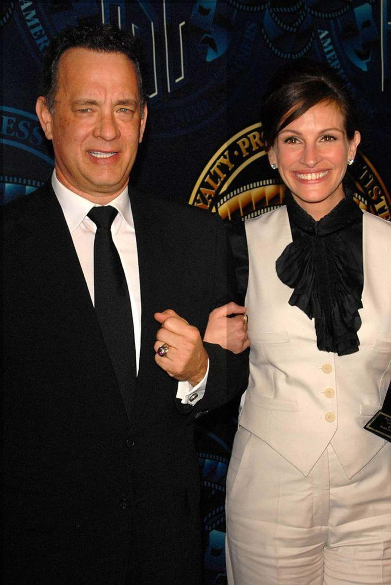 Tom Hanks Played on Julia Roberts's Love of Knitting