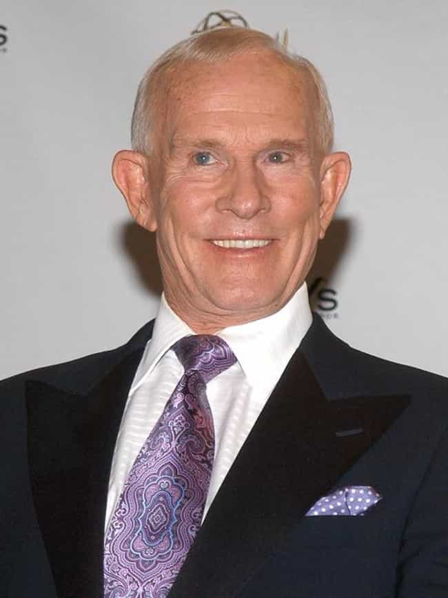 Tom Smothers is listed (or ranked) 4 on the list 18 Famous Phi Sigs