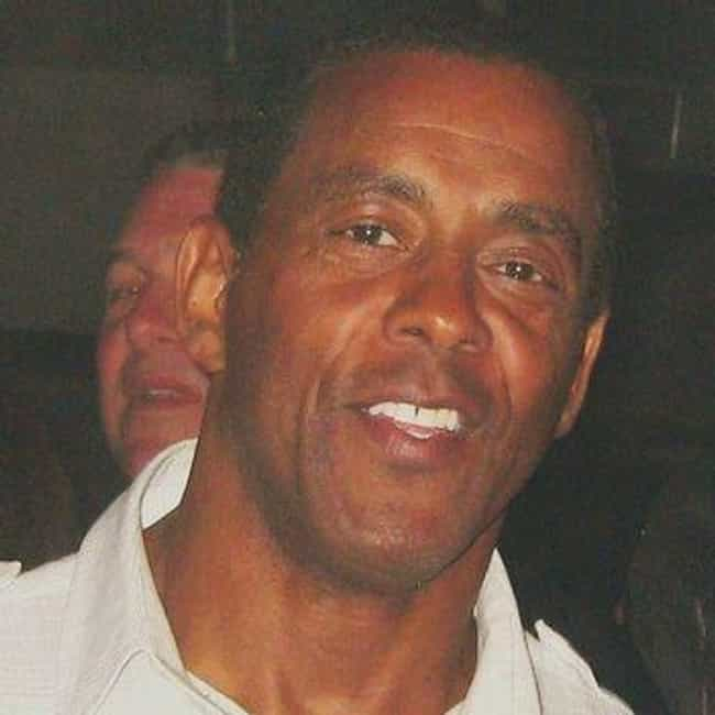 Tony Dorsett is listed (or ranked) 8 on the list The Best Athletes Who Wore #33