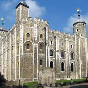 Tower of London is listed (or ranked) 1 on the list The Top Must-See Attractions in England