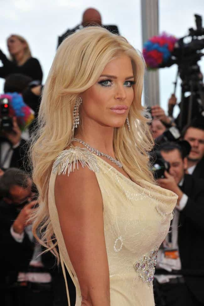 Victoria Silvstedt is listed (or ranked) 5 on the list Ocean Ave. Cast List
