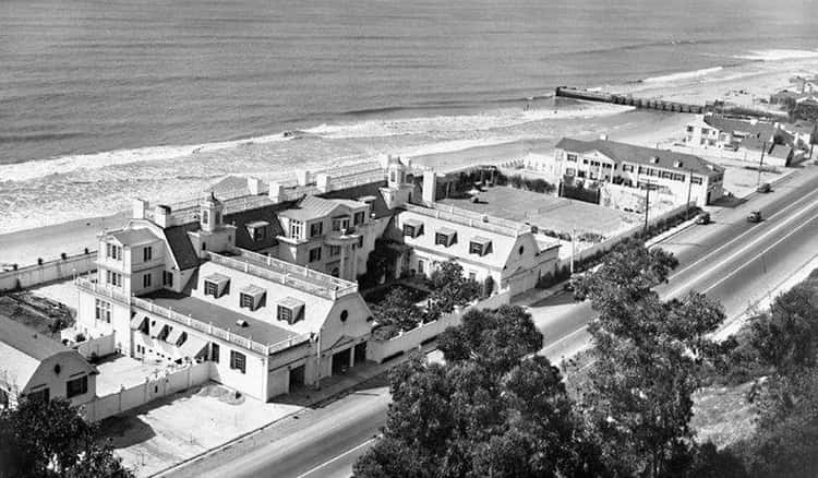 William Randolph Hearst Gifted His Mistress A 100-Room Beachfront Mansion