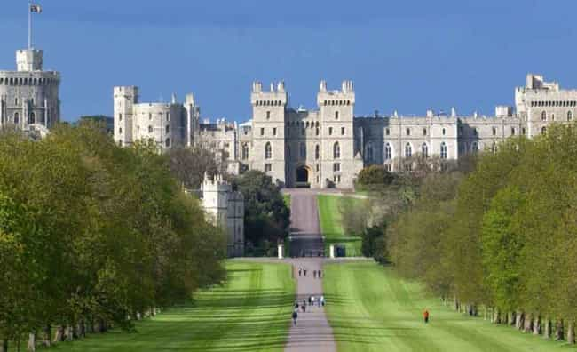 Windsor Castle is listed (or ranked) 2 on the list Which Royal Residence Would Be The Best Vacation Destination?